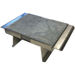 <strong>Pietra ollare opaca </strong> 20x16x2 con supporto in acciao inox