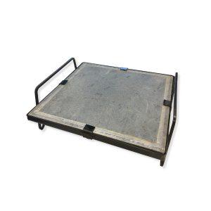 Pietra ollare opaca 35x35x2 con telaio in ferro